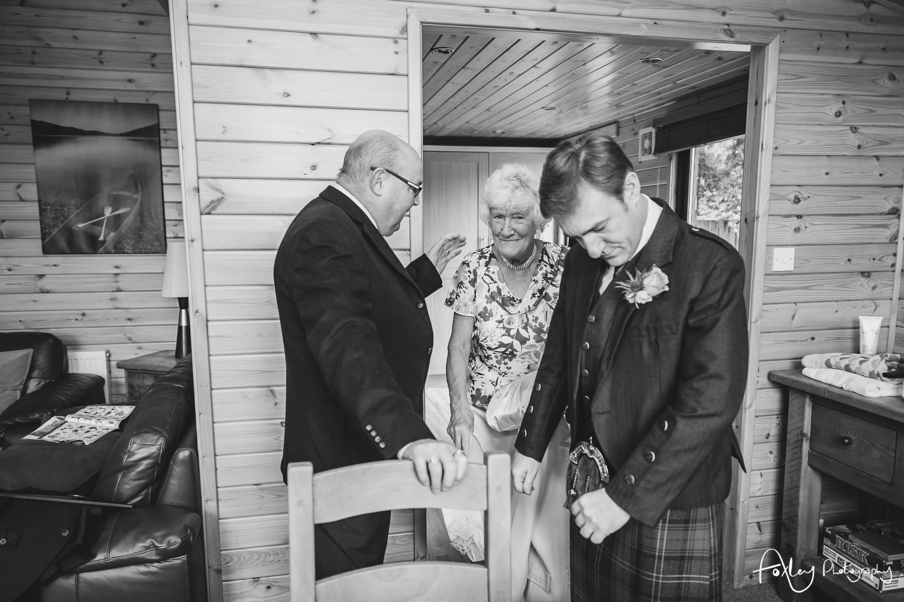 Alys-And-Davids-Wedding-Loch-Lomond-064