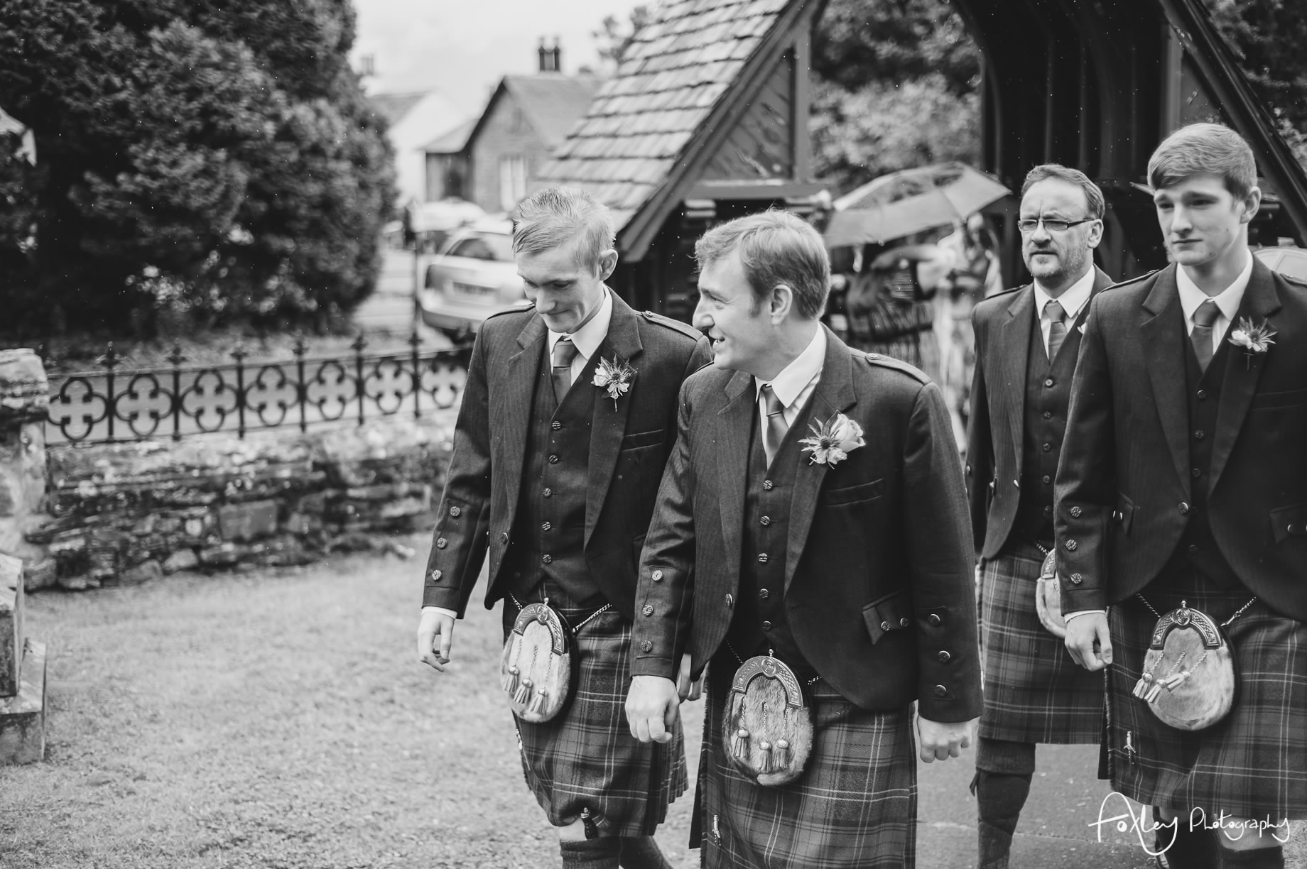Alys-And-Davids-Wedding-Loch-Lomond-071