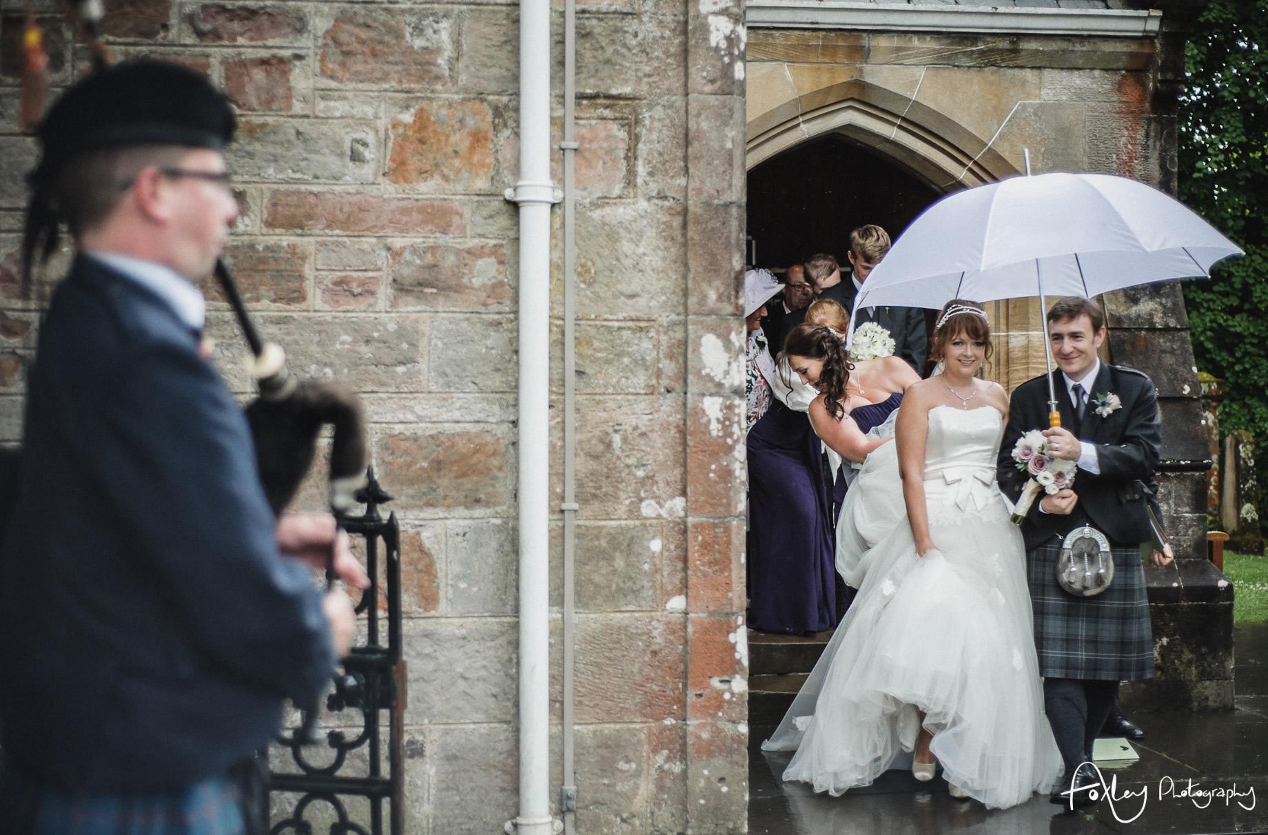 Alys-And-Davids-Wedding-Loch-Lomond-099