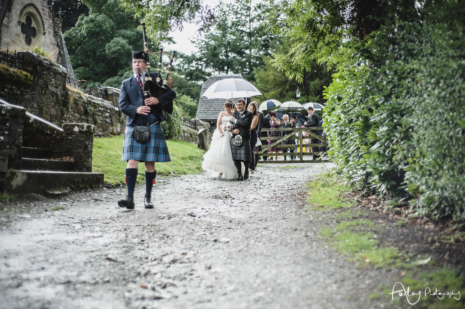 Alys-And-Davids-Wedding-Loch-Lomond-102