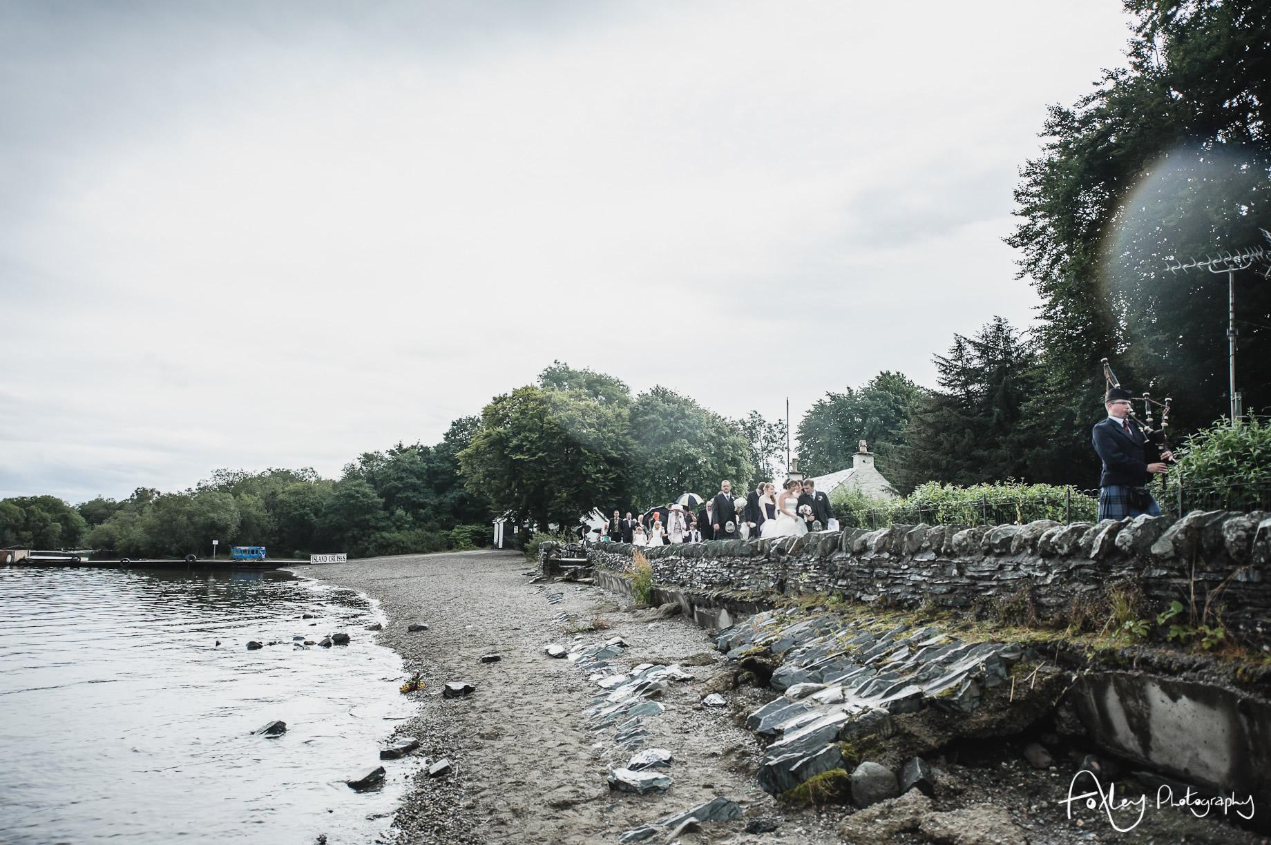 Alys-And-Davids-Wedding-Loch-Lomond-107