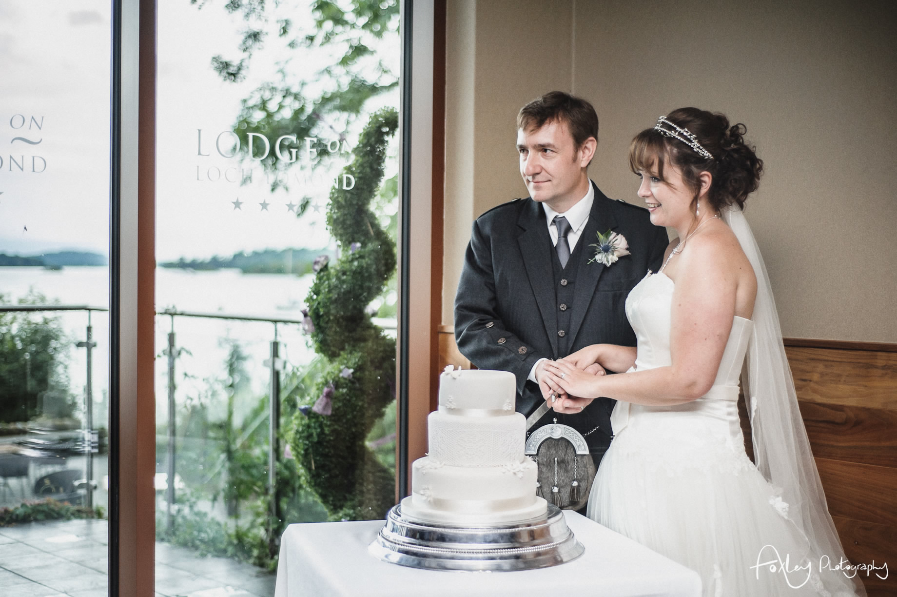 Alys-And-Davids-Wedding-Loch-Lomond-132