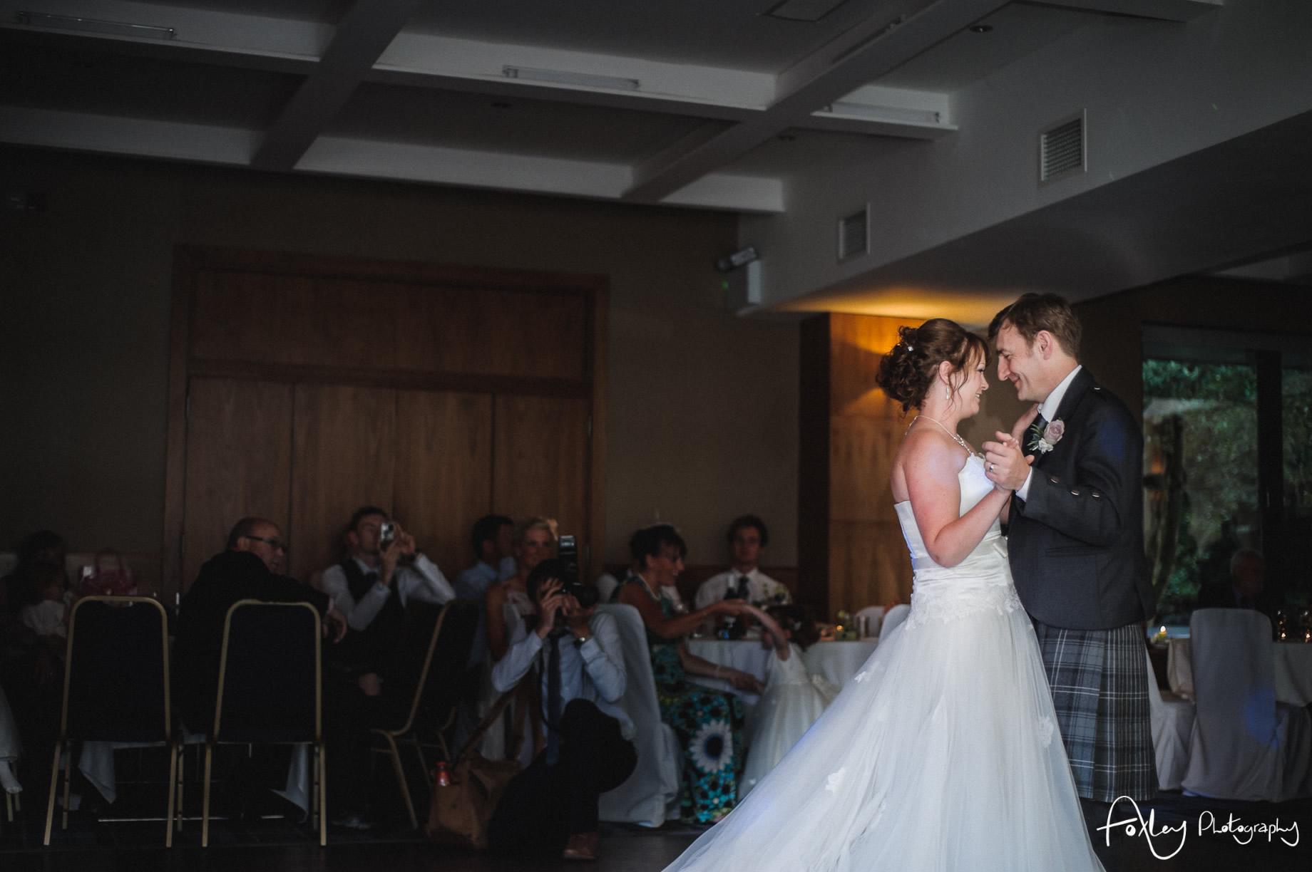Alys-And-Davids-Wedding-Loch-Lomond-162