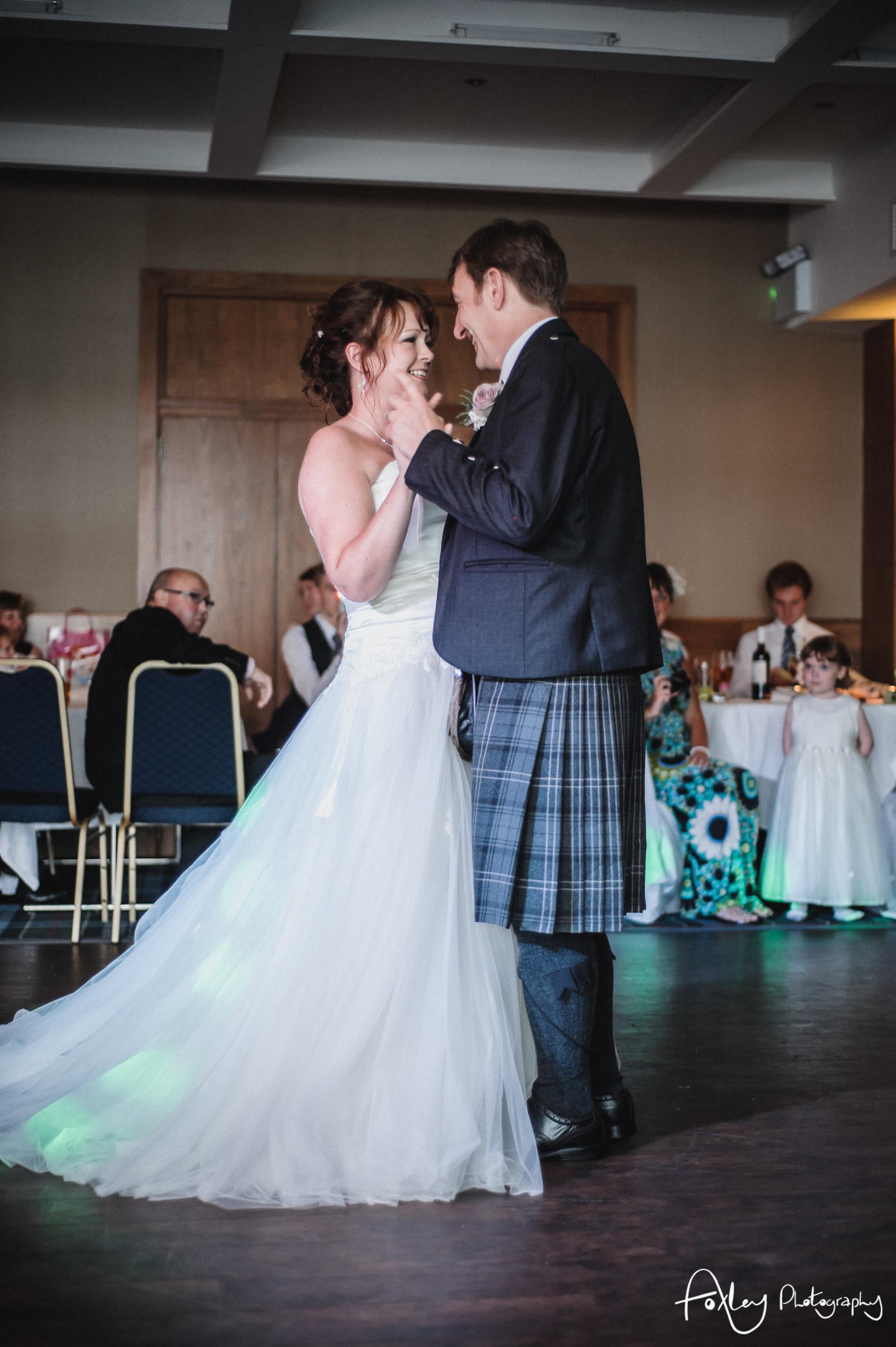 Alys-And-Davids-Wedding-Loch-Lomond-163