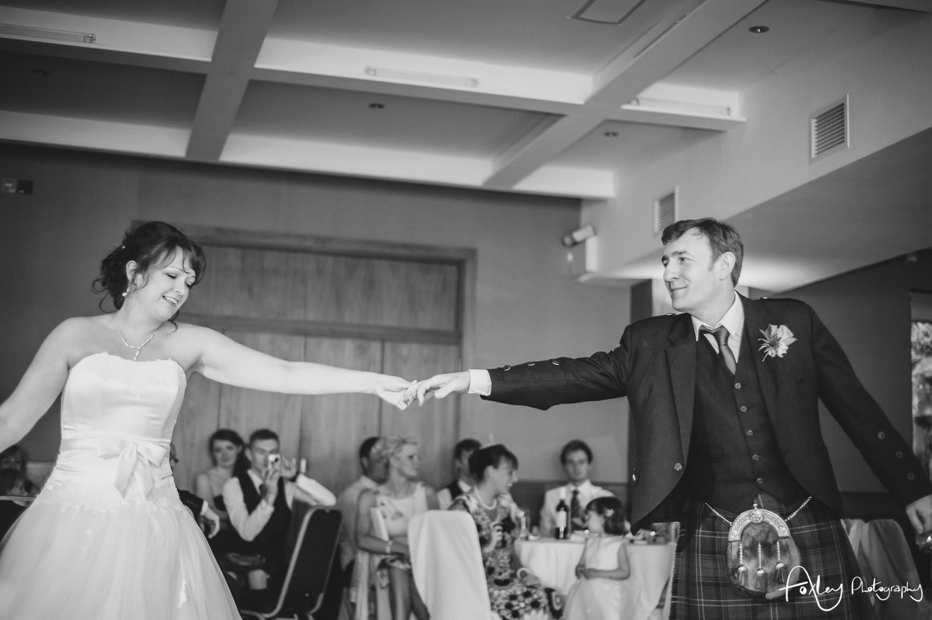 Alys-And-Davids-Wedding-Loch-Lomond-165