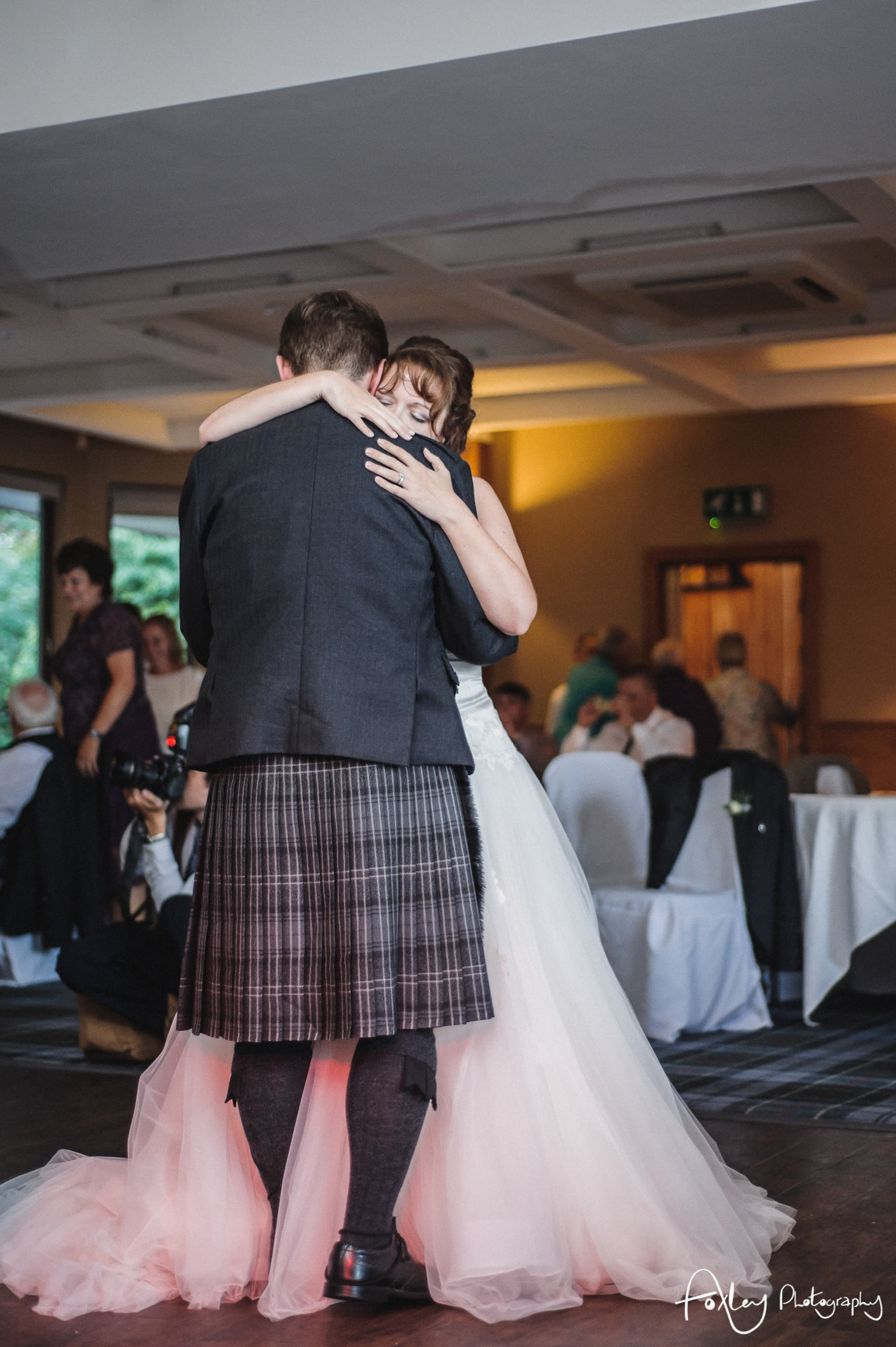 Alys-And-Davids-Wedding-Loch-Lomond-169