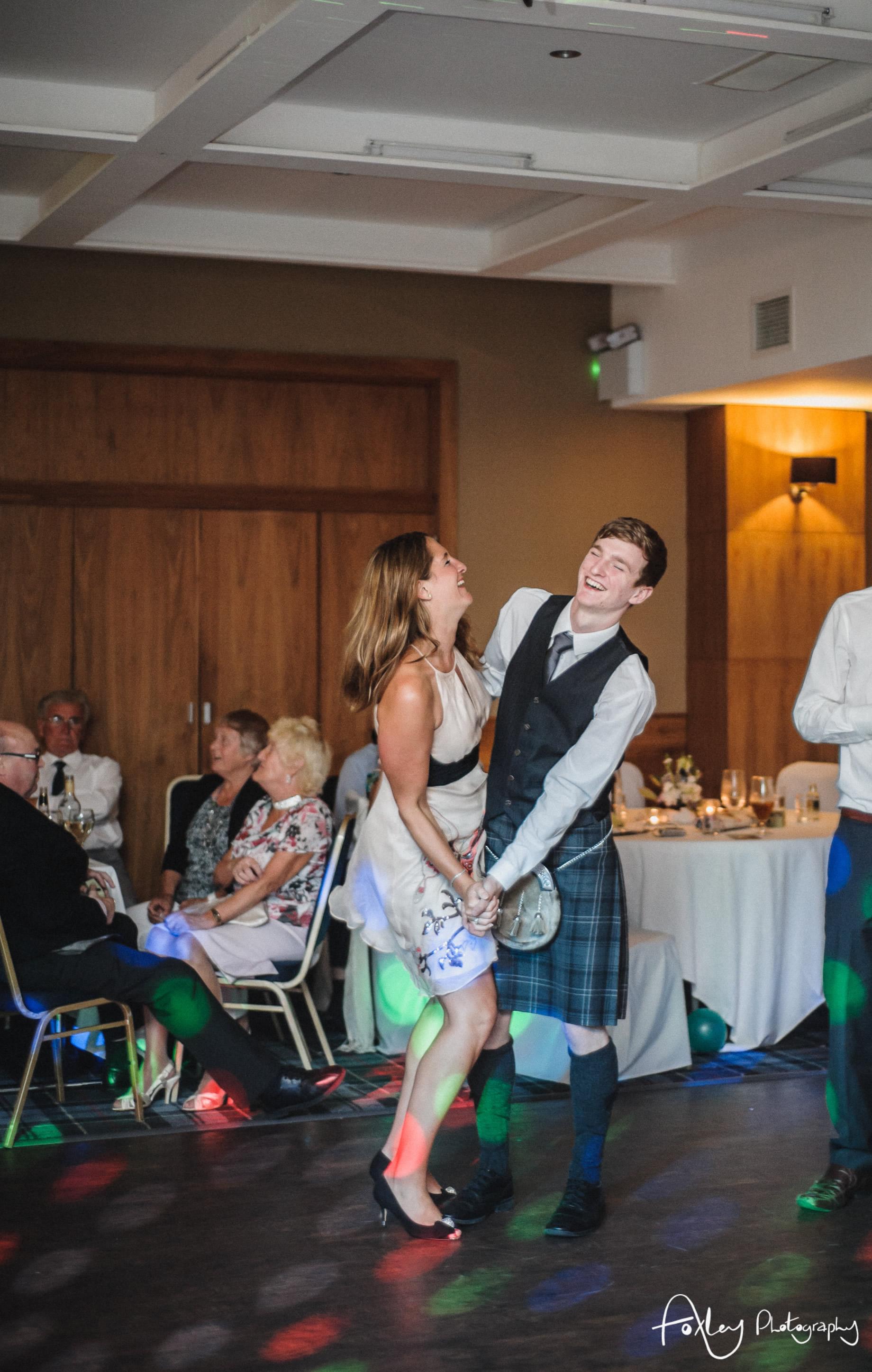 Alys-And-Davids-Wedding-Loch-Lomond-178