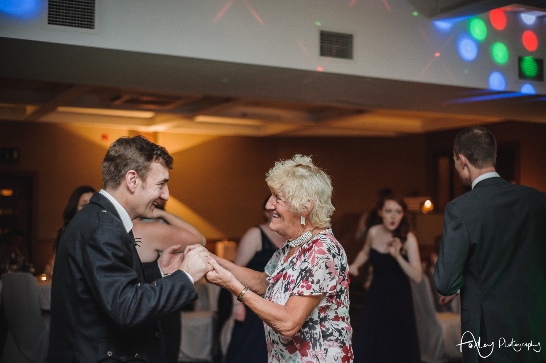 Alys-And-Davids-Wedding-Loch-Lomond-181