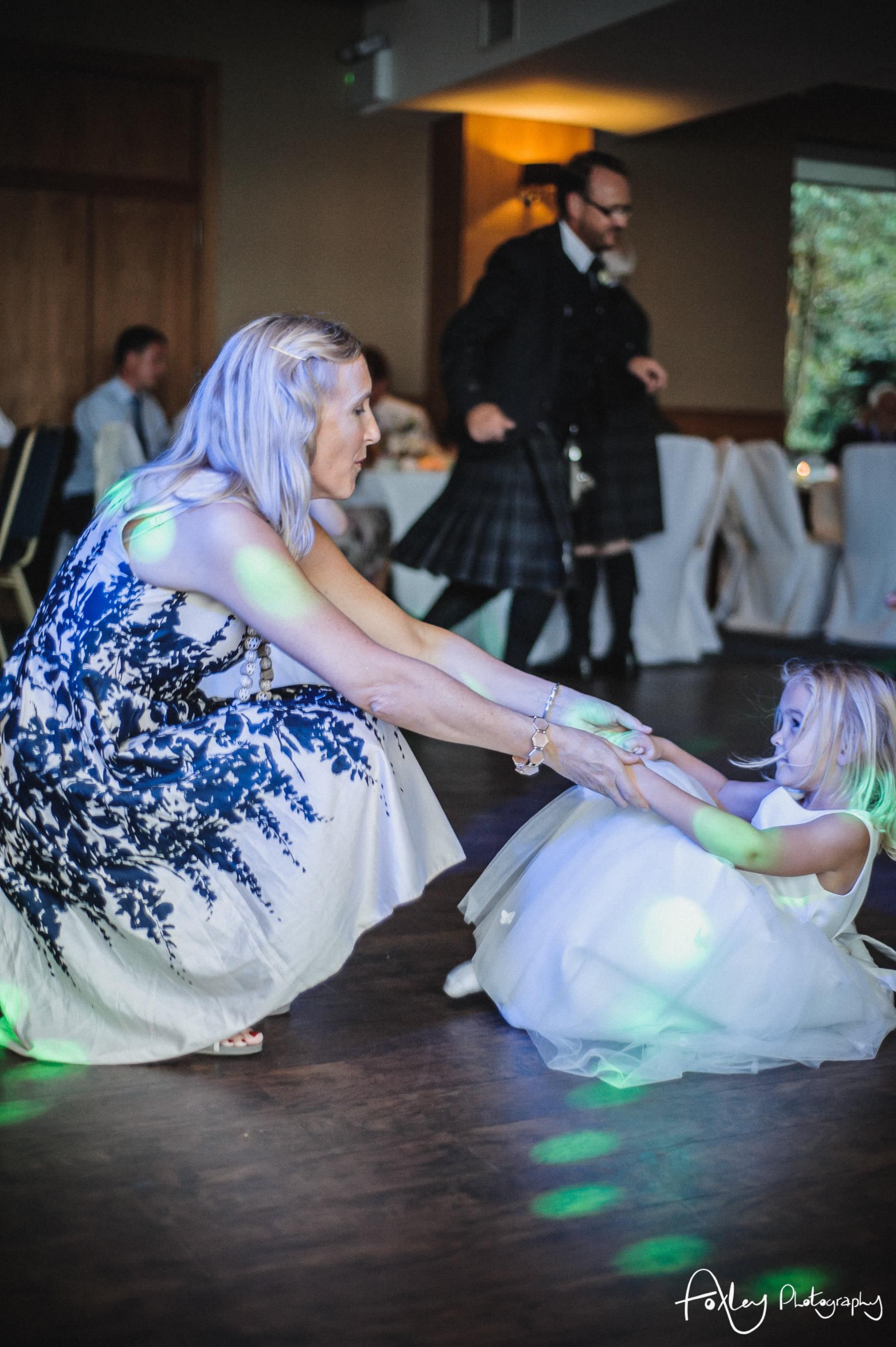 Alys-And-Davids-Wedding-Loch-Lomond-182