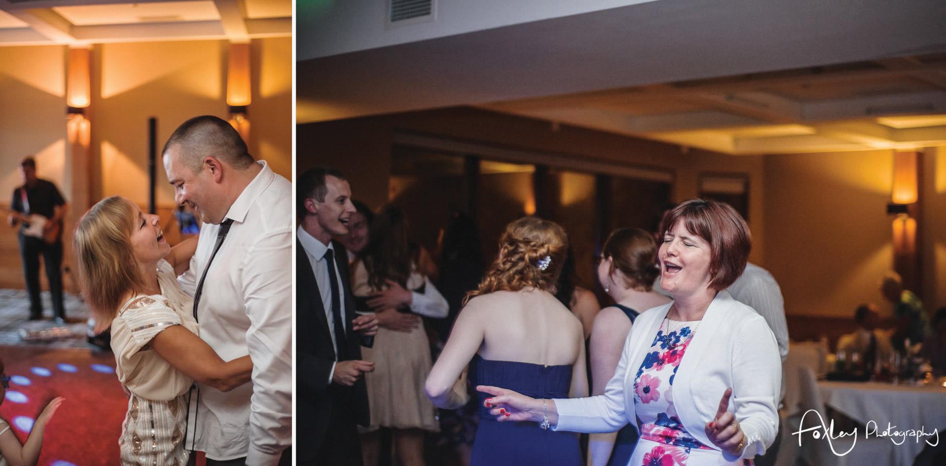 Alys-And-Davids-Wedding-Loch-Lomond-187