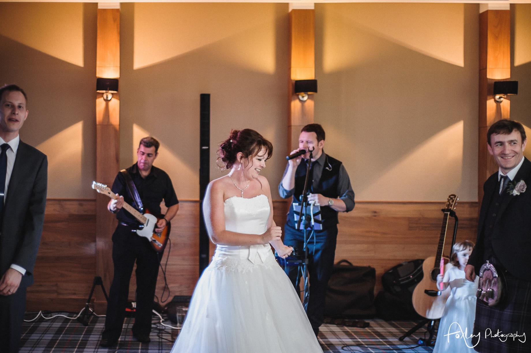 Alys-And-Davids-Wedding-Loch-Lomond-188