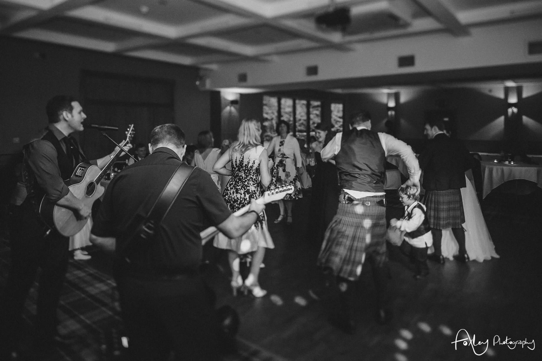 Alys-And-Davids-Wedding-Loch-Lomond-192