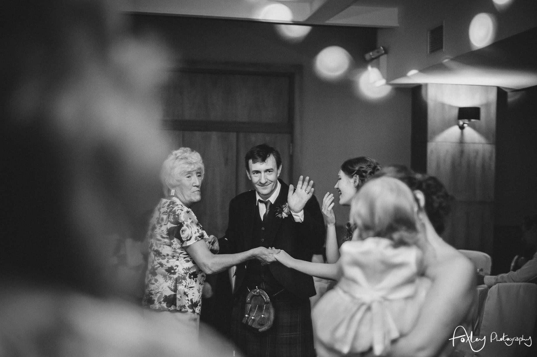 Alys-And-Davids-Wedding-Loch-Lomond-193